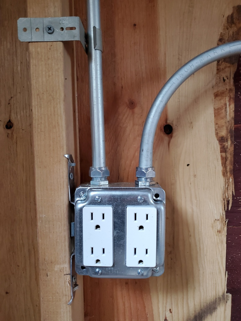 new outlet, in metal box with metal conduit